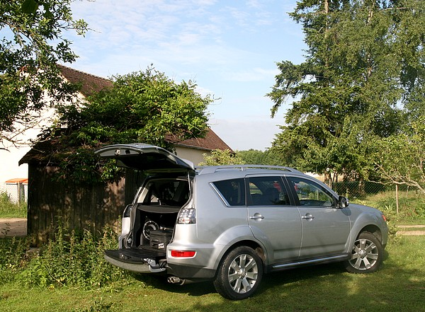 Mitsubishi Outlander 2.2 DiD SST